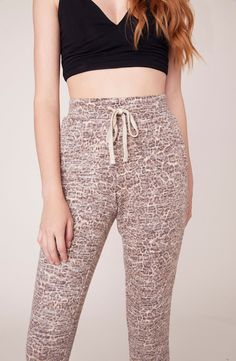 """Hey baby, those pants look comfy!"" The Cat Caller is a faded leopard printed hacci knit jogger pant with a drawstring waist. Shop BB Dakota now. Jogger Pants, Joggers, Airport Style, Off Duty, Comfortable Outfits, Drawstring Waist, Lounge Wear, Fitness Models, Bb"
