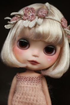 Blythe Dolls are so pretty and cute. I want one!