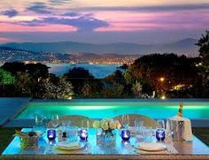 So amazing everything about it! I could for sure dream a little daydream with my special one at Hotel du Cap Eden Roc in Antibes France. Hotel France, Antibes France, Juan Les Pins, Relax, Ferrat, French Riviera, Grand Hotel, Luxury Villa, Location