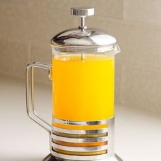 Anti-Inflammatory Tea - Healing tea with turmeric, ginger, apple cider vinegar and raw honey. detox drinks with apple cider vinegar Juice Smoothie, Smoothie Drinks, Detox Drinks, Healthy Drinks, Strawberry Smoothie, Kombucha, Cayenne Pepper Detox, Apple Cider Vinegar Remedies, Raw Vinegar