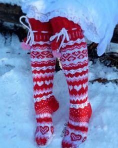 Knitting Charts, Knitting Socks, Hand Knitting, Knitting Patterns, Wool Socks, Fair Isle Knitting, Designer Socks, Knee High Socks, Knit Or Crochet