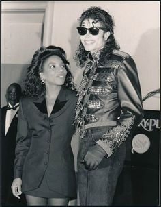 Michael Jackson & Stephanie Mills, September 14 1990. Look how she is gazing…