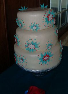 July 4th wedding cake version(wanted teal instead of dk blue)