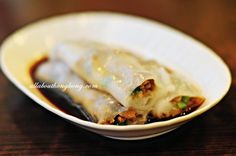 No. 1 Rice Roll Specialist 第一腸粉專賣店 is a small eatery @ Prince Edward but it's on the list of Michelin recommended restaurants 2012.