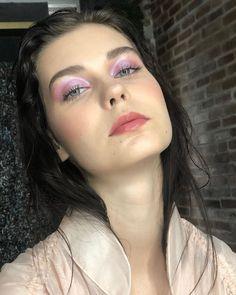 "Bea Galimba on Instagram: ""Iridescent and glossy lids look for @kari.top_ 💓 Such a lovely girl with amazing eyelashes ✨  BASE Banila Co Moisturiser Tom Ford…"" Glossy Lids, Moisturiser, Tom Ford, Iridescent, Eyelashes, Makeup Looks, Halloween Face Makeup, Base, Amazing"