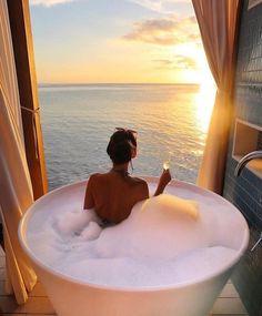 Dream bath with sunset ⛅ Jacuzzi, Steam Spa, Relaxing Bath, Dream Bathrooms, Luxury Bathrooms, Walk In Shower, Bath Time, Mykonos, Photos