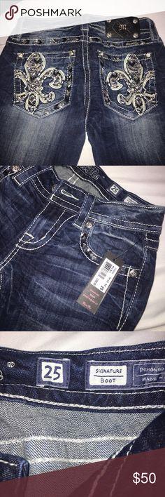 100% authentic miss me jeans Boot! Signature Miss Me jeans! Size 25, Miss Me Pants Boot Cut & Flare