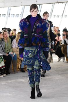 Sacai Fall 2018 Ready-to-Wear Collection - Vogue