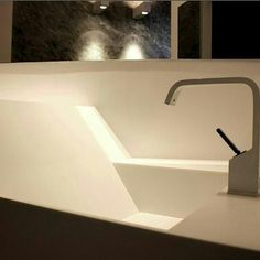 #bathroom #washbasin #moderndesign #home #architecture #interior #interiordesign #style #studiodibello #designer #ваннаякомната #раковина #архитектурадома #интерьер #дизайнинтерьера #стиль #дизайнер