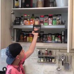 Kitchen Cupboard Designs, Kitchen Wall Cabinets, Kitchen Room Design, Home Room Design, Modern Kitchen Design, Interior Design Kitchen, Clever Kitchen Storage, Kitchen Cabinet Storage, Kitchen Organization