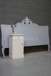 Slaapkamer - Brocante bedden nachtkastjes kaptafels voor een mooie ...
