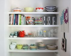 Stylish Brackets for Open Shelving in the Kitchen
