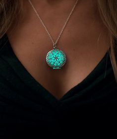 Frozen Glowing Necklace - Glowing Jewelry - Steampunk - Glow Pendant - Glow in the Dark - Gifts for Her - Glow Necklace - Mandala