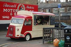 Heck yeah!! The Well Kneaded Wagon - dishing up firebread pizza from their wood-fired oven in the back of the van