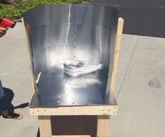 How to Make a Sun Stove: Materials: 4 Woods AluminumDrill Bits Solar Oven Diy, Solar Cooker, Solar Panels, Fig, Stove, Diy Projects, Outdoor Decor, Woods, Brick