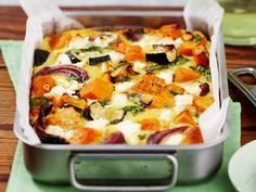 Roasted pumpkin spinach and feta slice is part of pizza - Method Toss pumpkin, zucchini and onion in prepared baking dish with oil, season to taste and spread out Bake for 1520 minutes, or until vegetables are golden and tender Vegetable Dishes, Vegetable Recipes, Vegetarian Recipes, Healthy Recipes, Vegetable Bake, Vegetable Slice, Vegetarian Cooking, Roast Vegetable Frittata, Veggie Bake