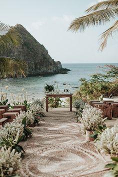 Casamento em Fernando de Noronha: Adriana Andugar + Pedro Simões Carvalho - Constance Zahn | Casamentos