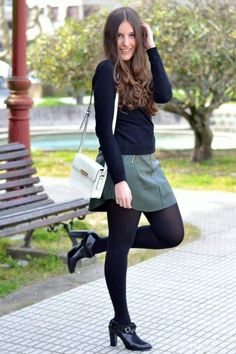 32 Popular Fall Outfits Every Girl Should Have - Fashion New Trends : 32 Popular Fall Outfits Every Girl Should Have outfit fashion casualoutfit fashiontrends Skirt Outfits, Fall Outfits, Casual Outfits, Cute Outfits, Pantyhose Outfits, Black Pantyhose, Modest Fashion, Fashion Outfits, Fashion Black