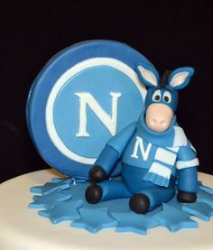 Napoli football cake - Mascotte detail