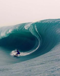 I have no desire to be out in those waves, but watching their lines and the skill of the surfer is truly calming. I can only imagine the sound when that breaks. Big Waves, Ocean Waves, Giant Waves, Ocean Art, Ocean Life, Surf Mar, Arte Yin Yang, Tahiti French Polynesia, Big Wave Surfing