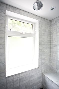 Get tips and ideas for bathroom windows, small bathroom windows ideas, master bathroom windows ideas, bathroom windows privacy window Bathroom Design Trend: No-Threshold Showers Bathroom Windows In Shower, Bathroom Window Privacy, Small Bathroom Window, Window In Shower, Bathroom Renos, Shower Tub, Bathroom Renovations, Modern Bathroom, Master Bathroom