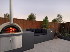 Four à pizza bois : Gallery – Elite Pizza Ovens Outdoor Grill Area, Modern Outdoor Kitchen, Pizza Oven Outdoor, Modern Outdoor Pizza Ovens, Bbq Area, Woodfired Pizza Oven, Outdoor Living Rooms, Outdoor Furniture Sets, Outdoor Decor