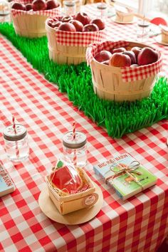 I love this adorable farm themed kids party. Every detail is perfect!