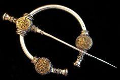 Traditional Scottish / Viking / Celtic design with distinctive Thistle Pattern… Viking Life, Viking Art, Celtic Patterns, Celtic Designs, Celtic Clothing, Ancient Egyptian Art, Ancient Aliens, Ancient Greece, Viking Dress