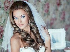 свадебные прически распущенные волосы с фатой: 11 тыс изображений найдено в Яндекс.Картинках