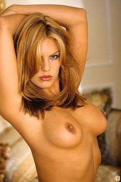 LAYLA HARVEST ROBERTS - Part 4 Birth date: 22 October 1974 Birth place: Kealakekua Kona, Hawaii - USA Playboy Model Playmate of the month October 1997 NOTE: After a breakout role on Baywatch, Layla...