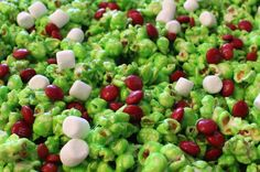 Grinch Popcorn - Sweet and salty and delicious. it will be popular with kids and adults alike at your How the Grinch Stole Christmas movie night. Christmas Party Treats For Kids, Christmas Popcorn, Best Christmas Recipes, Christmas Deserts, Grinch Christmas, Christmas Appetizers, Christmas Baking, Holiday Treats, Christmas Stuff