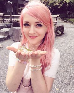 Holding a preying mantis in Japan / Kyoto. Connie Glynn (aka Noodlerella )