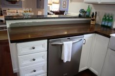 How to Stain Butcher Block Countertops - including sealing them to make 'em food safe! - a very handy tute from Stillwater Story -