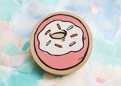 Donut Brooch Handpai