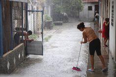 #cuba Todos los días del agua: Fotorreportaje de RANDY RODRÍGUEZ PAGÉS www.bohemia.cu