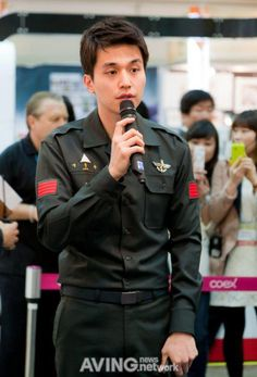 Lee Dong Wook on @dramafever, Check it out! If my memory serves me correctly, this pic was taken right after he finished his required military service.