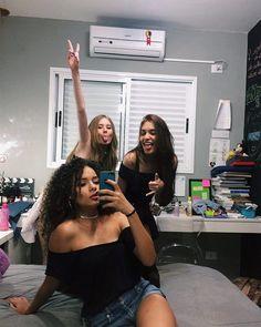 """1,191 curtidas, 16 comentários - Bárbara Candido (@_barbaracandido) no Instagram: """"Pra que sofrer se a vida é um rolê né mores?"""""""