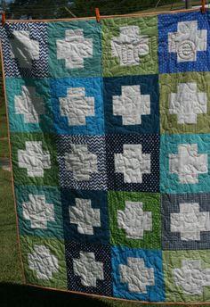 a baby quilt @  livelovesew.com
