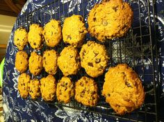 Grain and Dairy-Free Chocolate chip, almond butter cookies Dairy Free Chocolate Chips, Almond Butter Cookies, Low Calorie Desserts, Muffin, Favorite Recipes, Breakfast, Food, Morning Coffee, Essen