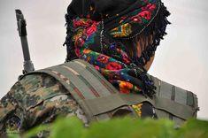 Combattante du YPJ  #kobani #kurdistan #rojava #YPJ #YPG via @Delilsouleman