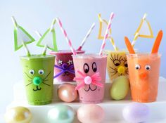 Not only are these smoothies full of nutrition, they are a super fun Easter breakfast for your kids! Protein Smoothies, Weight Loss Smoothies, Smoothie Recipes, Easy Smoothies, Peeps Recipes, Healthy Recipes, Fun Recipes, Healthy Meals, Holiday Recipes