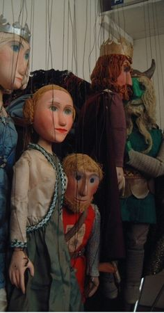 The Arthurian middle English romance is performed with marionettes, music and poetry for adults at the Puppet Theatre Barge.
