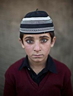 Refugee Children-Hayat Khan, 8 anos