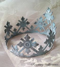villabarnes: More Tiaras and Crowns