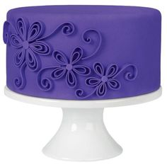 This package contains 24 ounces of purple fondant. It is perfect for coating cakes and brownies with ease; without the mess of icing. Perfect for birthday and wedding cakes. This package contains enou