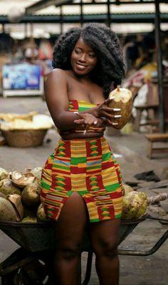 black women curves lines African Girl, African Wear, African Beauty, African Women, Beautiful Dark Skinned Women, Beautiful Black Women, Style Africain, Black Curves, Dark Skin Beauty