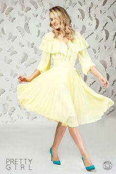 Bluză damă cu volănașe din voal galben Spring Summer, Interior, Floral, Pretty, Vintage, Dresses, Style, Fashion, Womens Fashion
