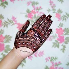 Dulhan Mehndi Designs, Kashee's Mehndi Designs, Stylish Mehndi Designs, Mehndi Designs For Girls, Mehndi Design Photos, New Bridal Mehndi Designs, Mehendi, Henna Hand Designs, Latest Henna Designs