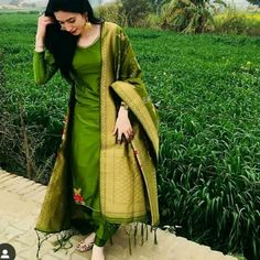 Posting our favourite and bestseller 😍😍. Start This New Year With This Beauty . ✔️For Inquiry or Order : Click the Scrnshot and… Patiala Suit Designs, Kurta Designs Women, Kurti Designs Party Wear, Salwar Designs, Dress Indian Style, Indian Outfits, Indian Dresses, Pakistani Dresses, Indian Wear