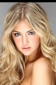 Blonde highlights and natural makeup (: